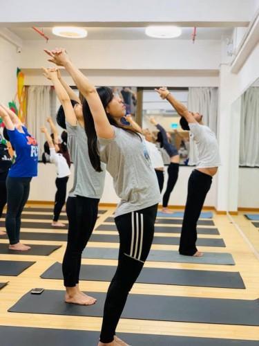 拜日式系列瑜伽 1
